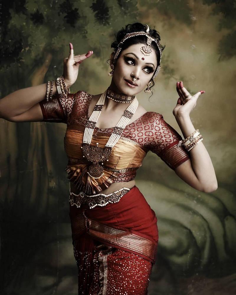 Картинки индийские танцовщицы